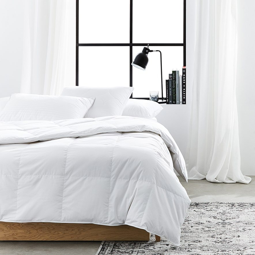 Perfectly Indulgent Feels Like Down Duvet 100/% 240 Thread Count Cotton Cover